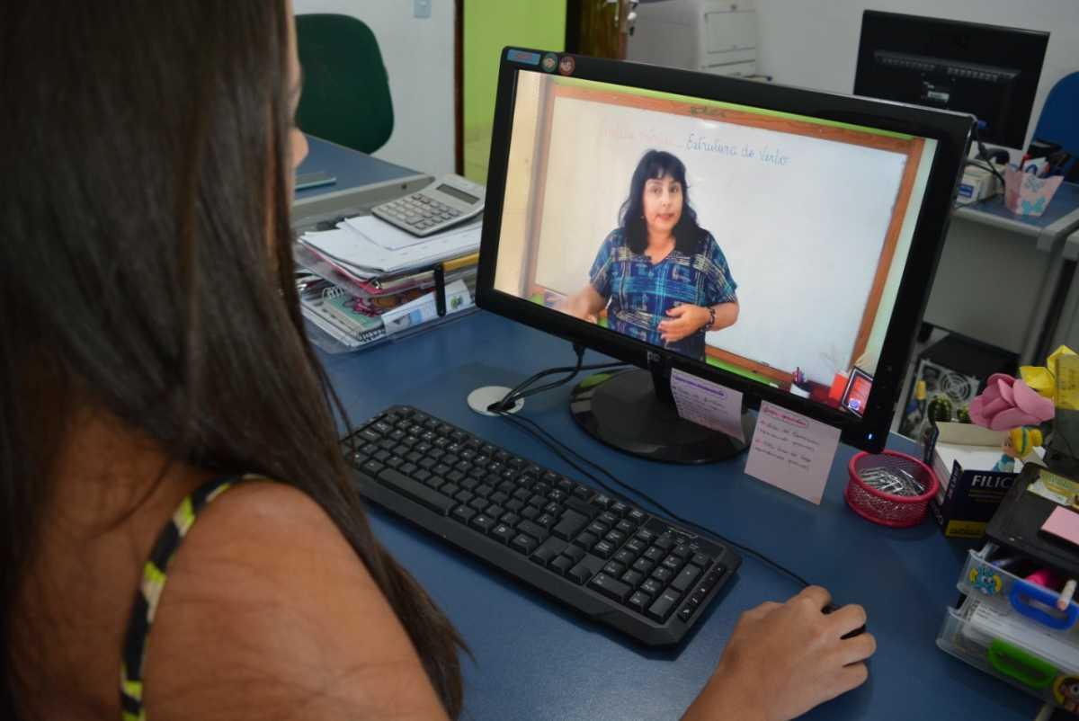 Plataforma de Ensino oferece videoaulas extras de Língua Portuguesa