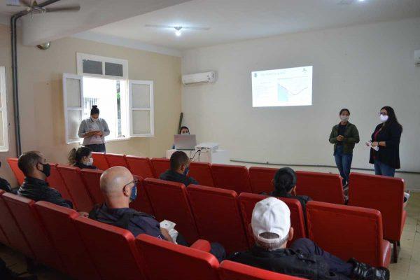 Profissionais se encontraram para trocarem experiências sobre o atendimento à população em situação de rua em São Pedro da Aldeia.